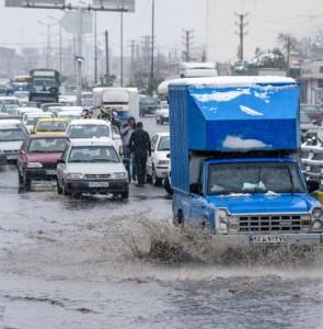 Mehr News Agency - April snow in Karaj