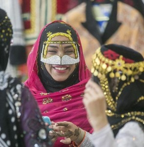Iranian tribes' outfits to go on display