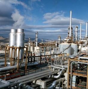 Tehran refinery oil leak contaminates groundwater resources