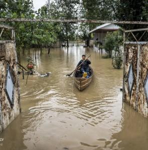 Flash flood hits 6 provinces, leaves 5 dead