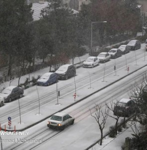 Mehr News Agency - Hailstorm, snow hit Tehran