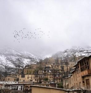 Mehr News Agency - Snowfall in historic village of Masuleh during Nowruz