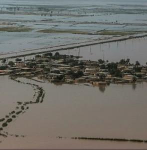 Iraq, Azerbaijan provide aids to flood-hit regions in Iran