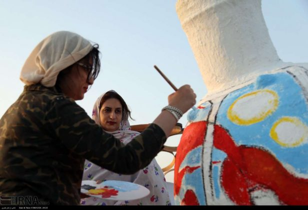 Iranian Artworks in Photos: Painting on Jahlah Jars