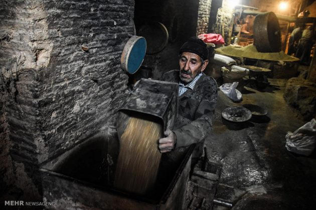Iran's Shahreza Home to Ancient Seed Oil Extraction Workshop