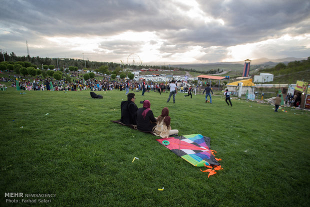 Mehr News Agency - Kite festival in Qazvin