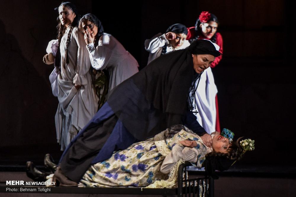 37th Fajr Intl. Theater Festival kicks off with lukewarm lineup
